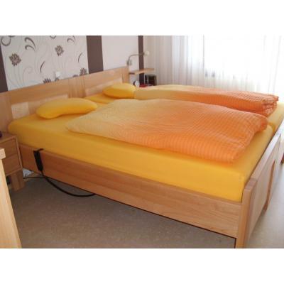 Massiv Bett in Buche/Ahorn